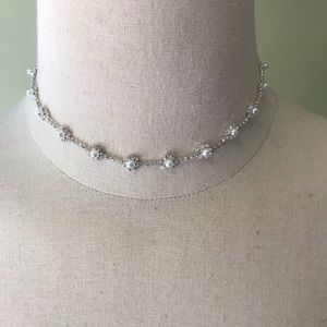 New! 🌟Silver Necklace and Earrings Set
